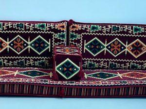 cushion bordo